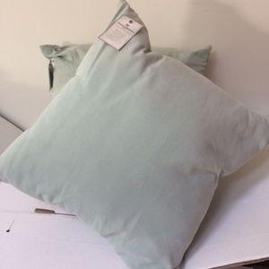 2 Tommy Bahama Monaco Palm Silk Pillows Seamist